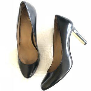 Ann Taylor Classic Black Pumps